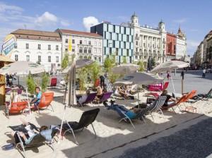 městská pláž na náměstí Svobody v Brně
