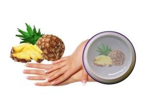 Na gelové nehty se s oblibou využívají UV gely /