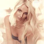 Popová královna Britney Spears nám představuje svoji kolekci spodního prádla